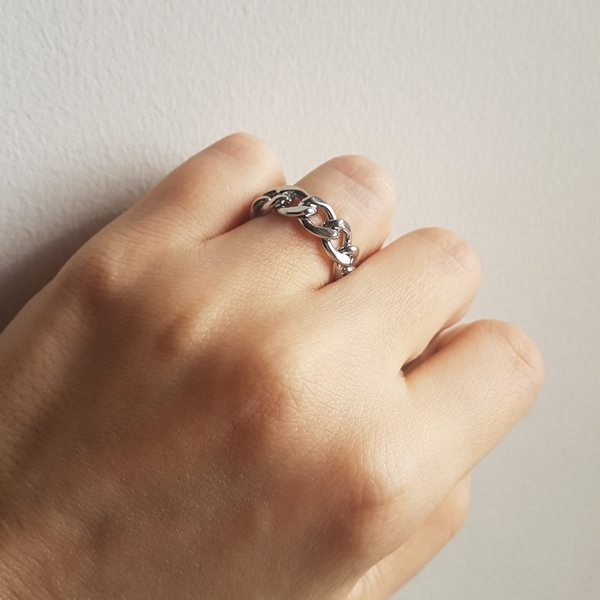 انگشتر زنجیری زنانه