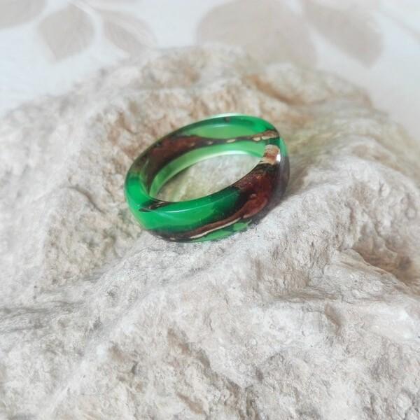گردنبند حلقه ای سبز خوش رنگ