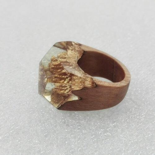 انگشتر طلایی چوب و رزین