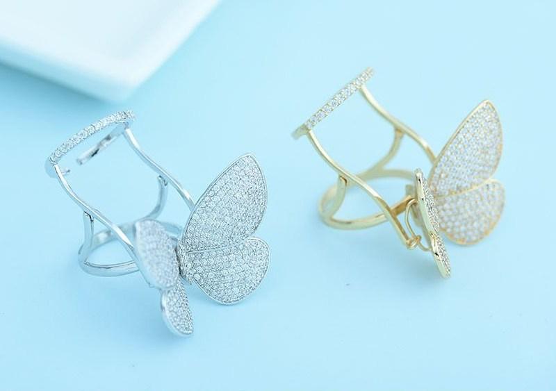 انگشتر پروانه متحرک