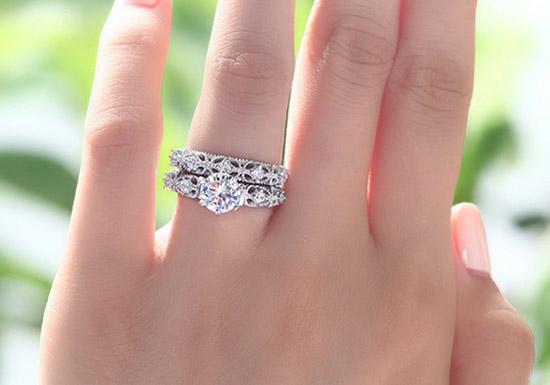 انگشتر شبیه سازی الماس