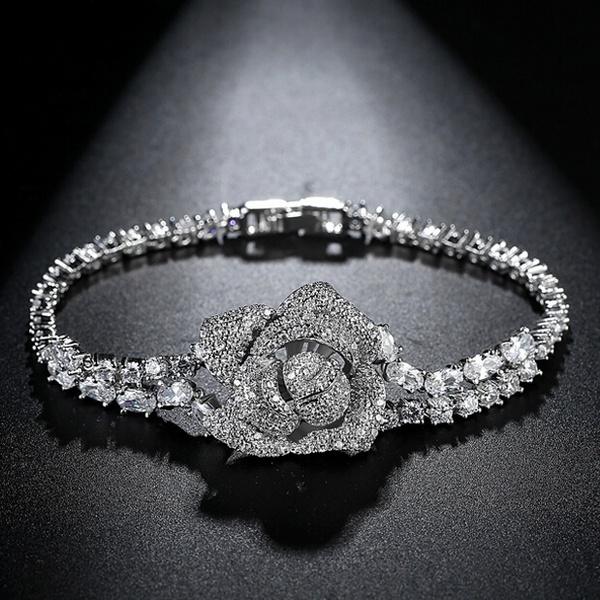دستبند گل رز نگین دار